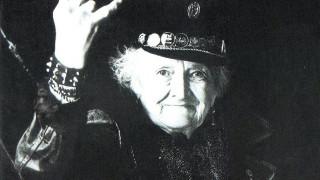 Γιατί η γιαγιά ρόκερ της Μαδρίτης είναι ίνδαλμα ζωής