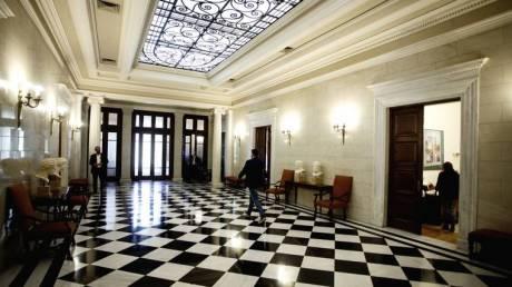 Κυβερνητικές πηγές: Η κ. Σπυράκη εκτίθεται ανεπανόρθωτα και μόνο που αρθρώνει τη λέξη «διαπλοκή»