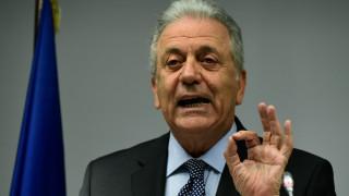 Αβραμόπουλος: Περιττή και επικίνδυνη κλιμάκωση η σύλληψη των δύο στρατιωτικών