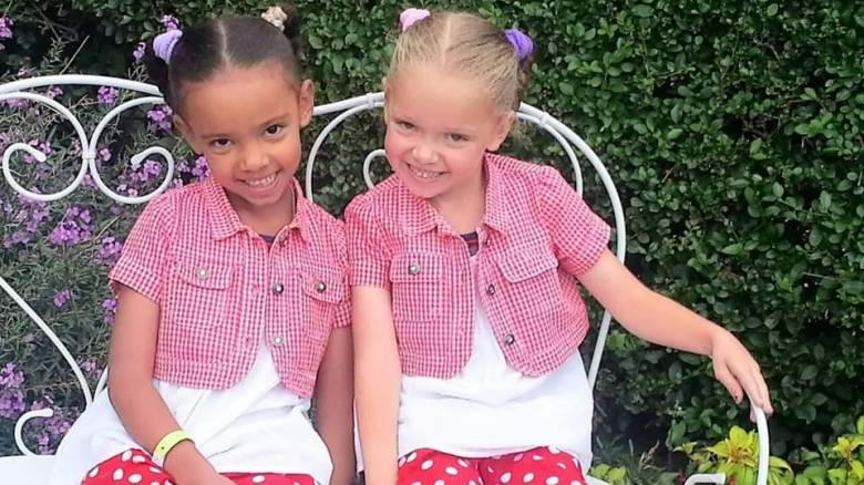 Οι δίδυμες αδερφές - σύμβολο κατά του ρατσισμού