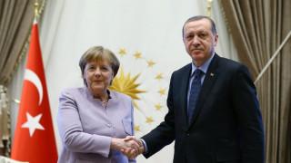 Τηλεφωνική επικοινωνία Μέρκελ - Ερντογάν: Τι συζήτησαν