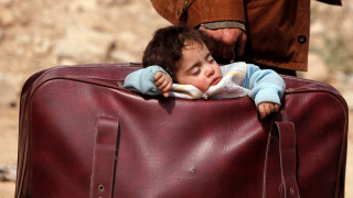 Δεκάδες χιλιάδες άμαχοι εγκαταλείπουν ανατολική Γκούτα και Αφρίν