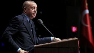 Νέο «ξέσπασμα» Ερντογάν: Αν ανοίξω τα σύνορα, δεν θα βρίσκετε τρύπα να κρυφτείτε