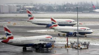 Χίθροου: Ματαίωση περισσότερων από εκατό πτήσεων λόγω χιονοπτώσεων