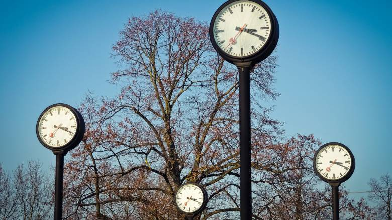 Αλλαγή ώρας: Πότε γυρίζουμε μπροστά τους δείκτες μας