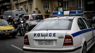 Παραδόθηκε ο δράστης της ανθρωποκτονίας αστέγου στον Πειραιά
