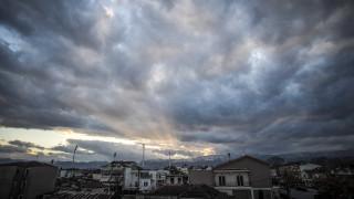 Καιρός: Βροχές και μεταφορά σκόνης τη Δευτέρα
