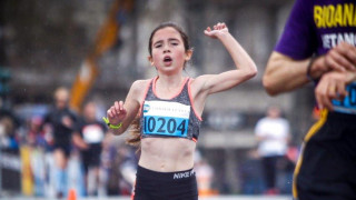 Ημιμαραθώνιος Αθήνας: Εντυπωσίασε η 12χρονη αθλήτρια Γλυκερία Σκάγκου