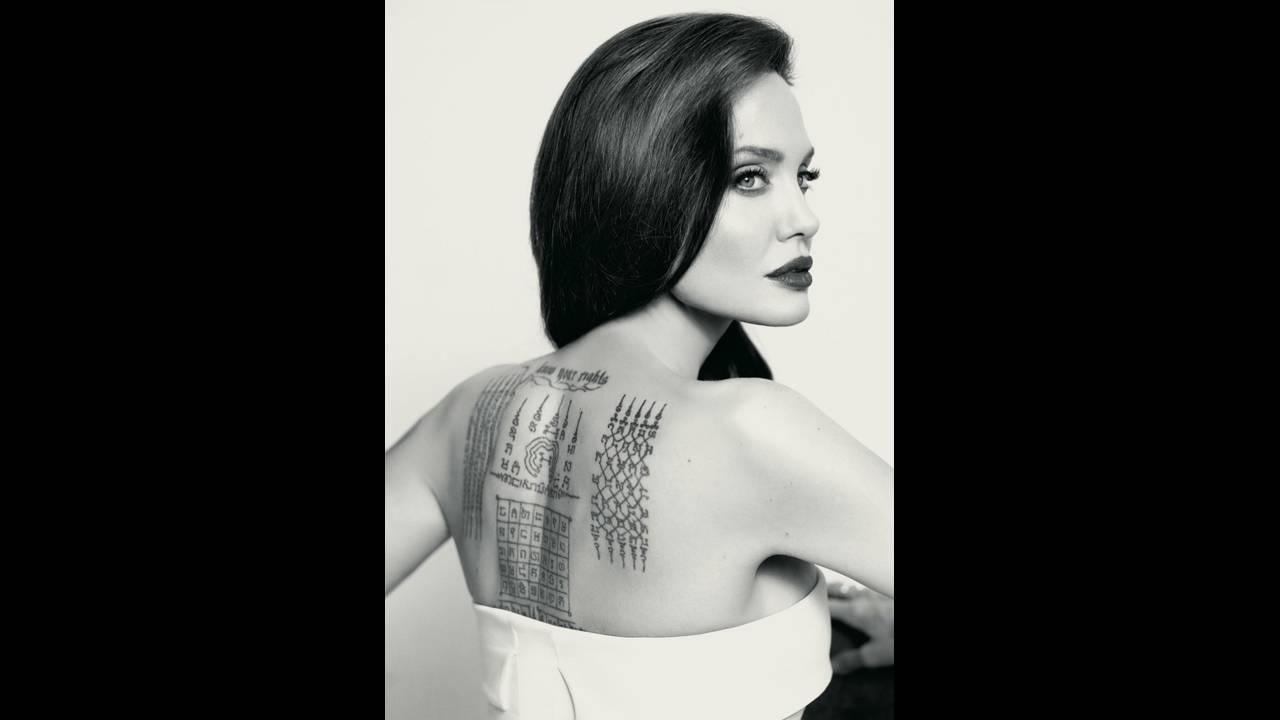 https://cdn.cnngreece.gr/media/news/2018/03/19/122231/photos/snapshot/Angelina-Jolie-Guerlain-Photoshoot03.jpg