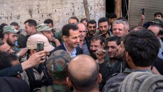 Ο Μπασάρ αλ-Άσαντ πανηγυρίζει: «Γύρος του θριάμβου» στην ισοπεδωμένη Γκούτα