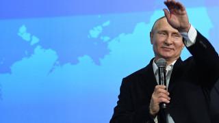 Ο Λευκός Οίκος δεν «εκπλήσσεται» για την επανεκλογή Πούτιν ούτε τον συγχαίρει