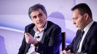 Τσακαλώτος και Στουρνάρας βλέπουν «μαύρα σύννεφα» στην ευρωζώνη