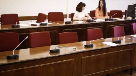 Η αντιπολίτευση αποχώρησε από την Προανακριτική για τη Novartis – Απάντηση Παρασκευόπουλου