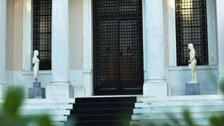 Ανταλλαγή «πυρών» από Μαξίμου και ΝΔ για την αποχώρηση της αντιπολίτευσης από την προανακριτική