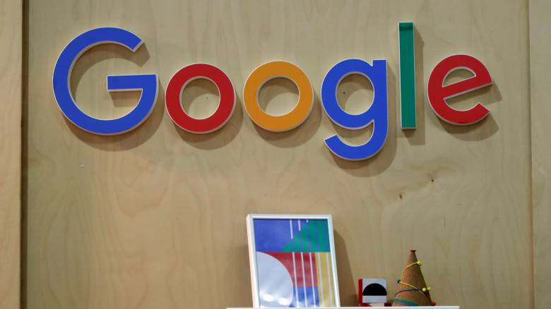 H Google «ρίχνει» 300 εκατ. δολάρια στον «πόλεμο» κατά των fake news