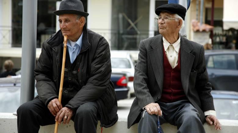Η Ελλάδα μεταξύ των χωρών της Ευρωζώνης με τη μεγαλύτερη γήρανση πληθυσμού