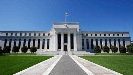 H Fed αύξησε τα επιτόκια του δολαρίου κατά 0,25%
