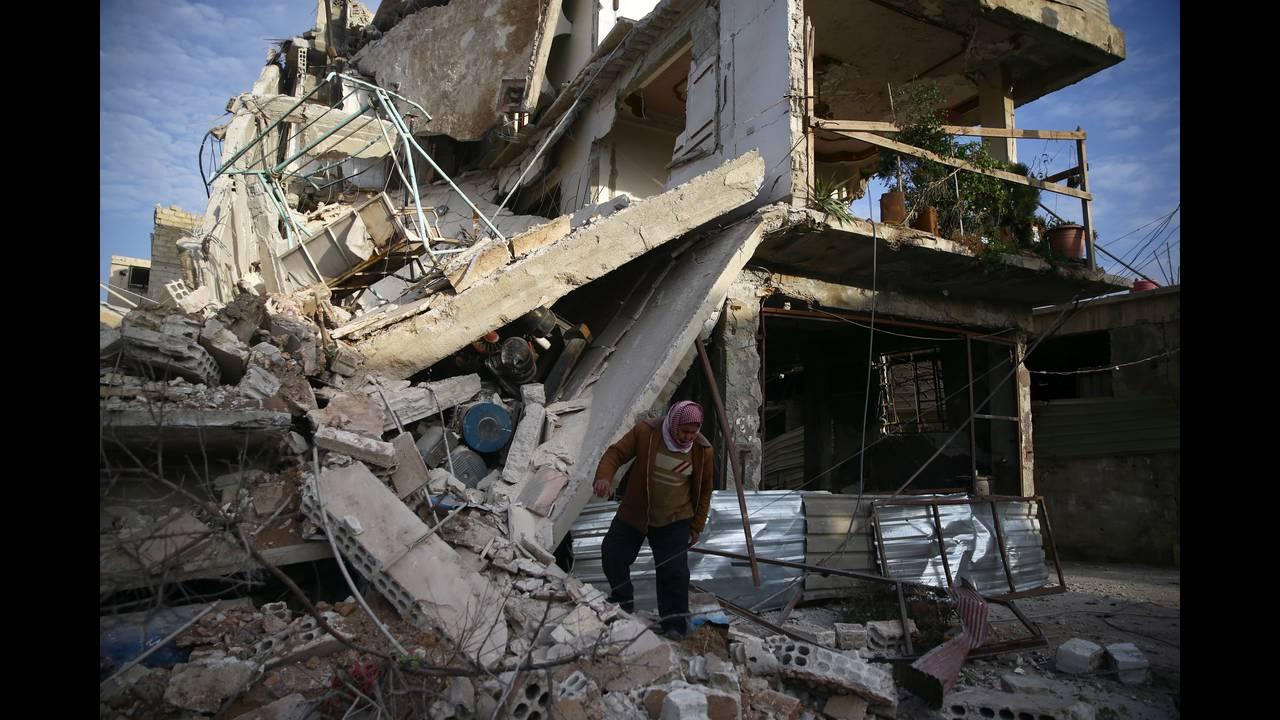 https://cdn.cnngreece.gr/media/news/2018/03/22/122648/photos/snapshot/2018-02-20T191342Z_387623146_RC1FBC2B21B0_RTRMADP_3_MIDEAST-CRISIS-SYRIA-GHOUTA.JPG