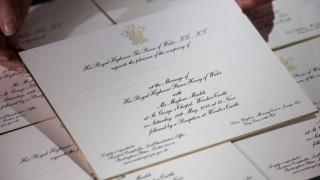 Χάρι-Μέγκαν Μαρκλ: μαύρο και χρυσό μελάνι στα προσκλητήρια γάμου που μόλις εκτυπώθηκαν
