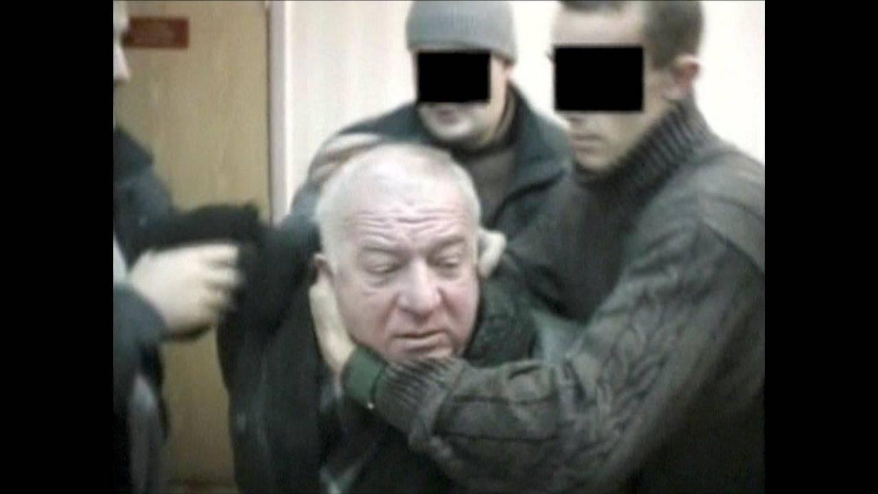https://cdn.cnngreece.gr/media/news/2018/03/22/122731/photos/snapshot/2018-03-06T091903Z_1749359334_RC17F0A119B0_RTRMADP_3_BRITAIN-RUSSIA.jpg