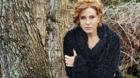 Διάσημη Τουρκάλα τραγουδίστρια καταδικάστηκε σε φυλάκιση 10 μηνών για εξύβριση του Ερντογάν