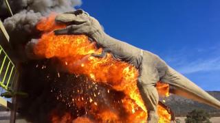 Τυραννόσαυρος στις φλόγες