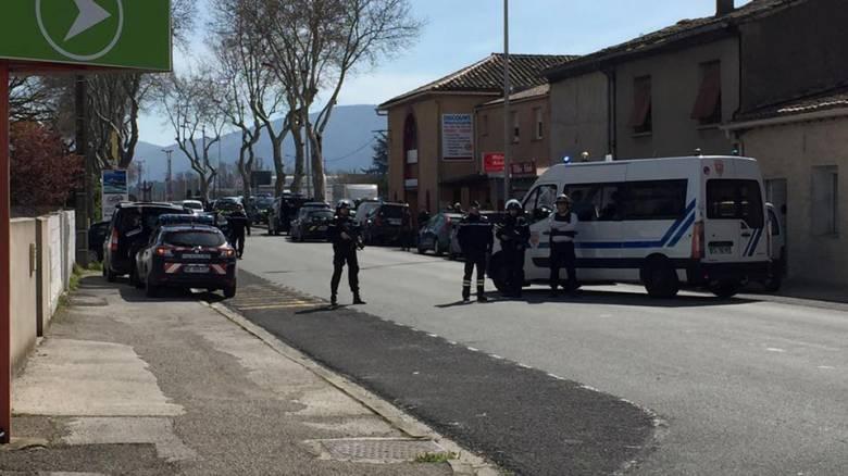 Θρίλερ με ομηρία σε σούπερ μάρκετ στη Γαλλία
