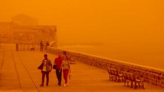 Η αφρικανική σκόνη «κατάπιε» την Κρήτη