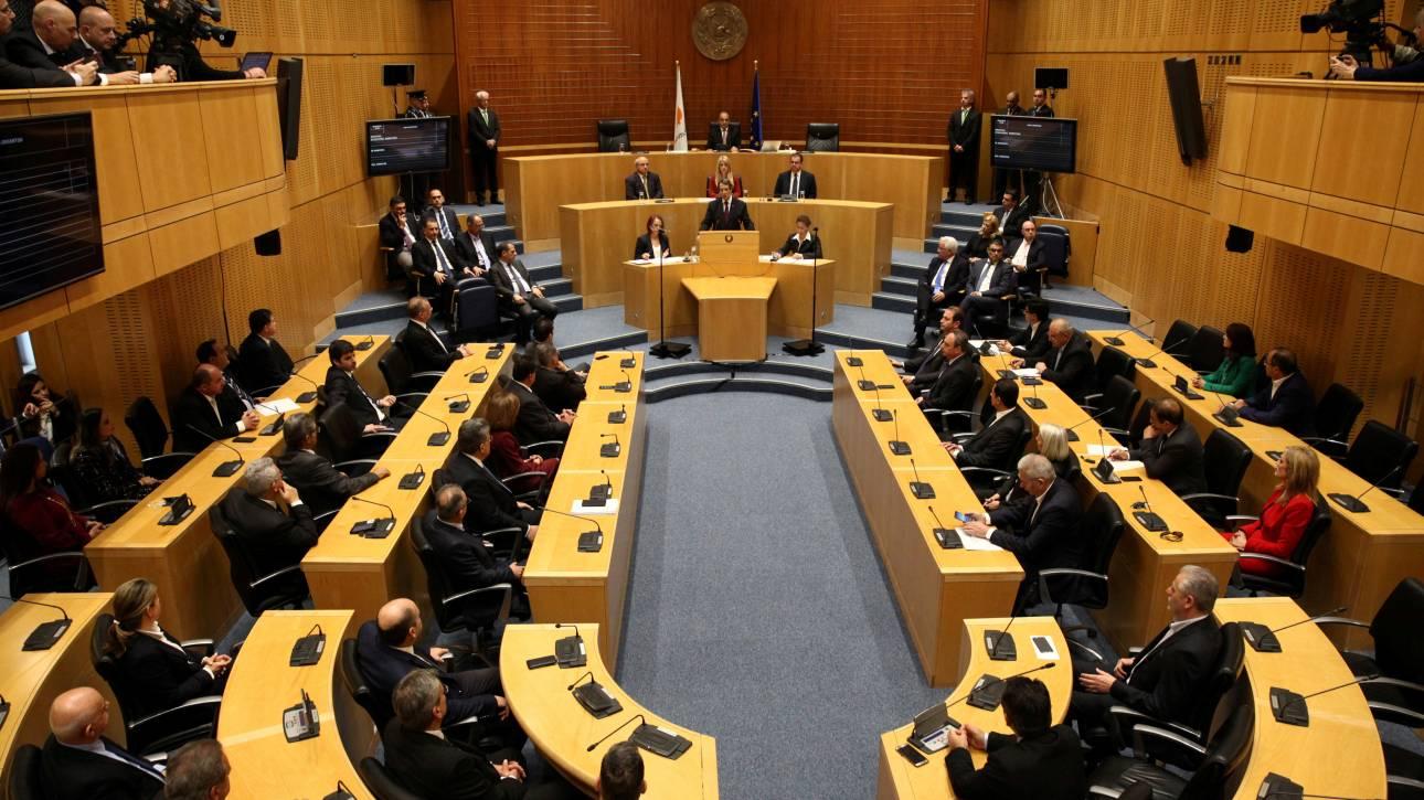 Κύπρος: Η Βουλή καταδικάζει την εισβολή της Τουρκίας στη Συρία