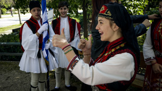 25η Μαρτίου: Η μαθητική παρέλαση στο κέντρο της Αθήνας