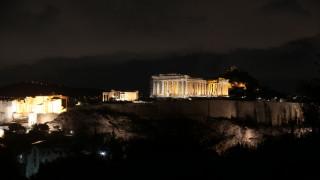 Στο σκοτάδι κτίρια της Αθήνας για την «Ώρα της Γης»
