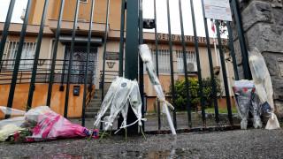 Φόρο τιμής στα θύματα της πρόσφατης επίθεσης αποτίει η Γαλλία