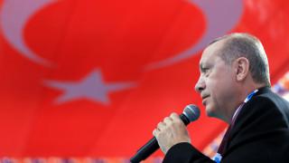 Ερντογάν: Κανείς δεν έχει το δικαίωμα να παίξει με την υπερηφάνεια των Τούρκων