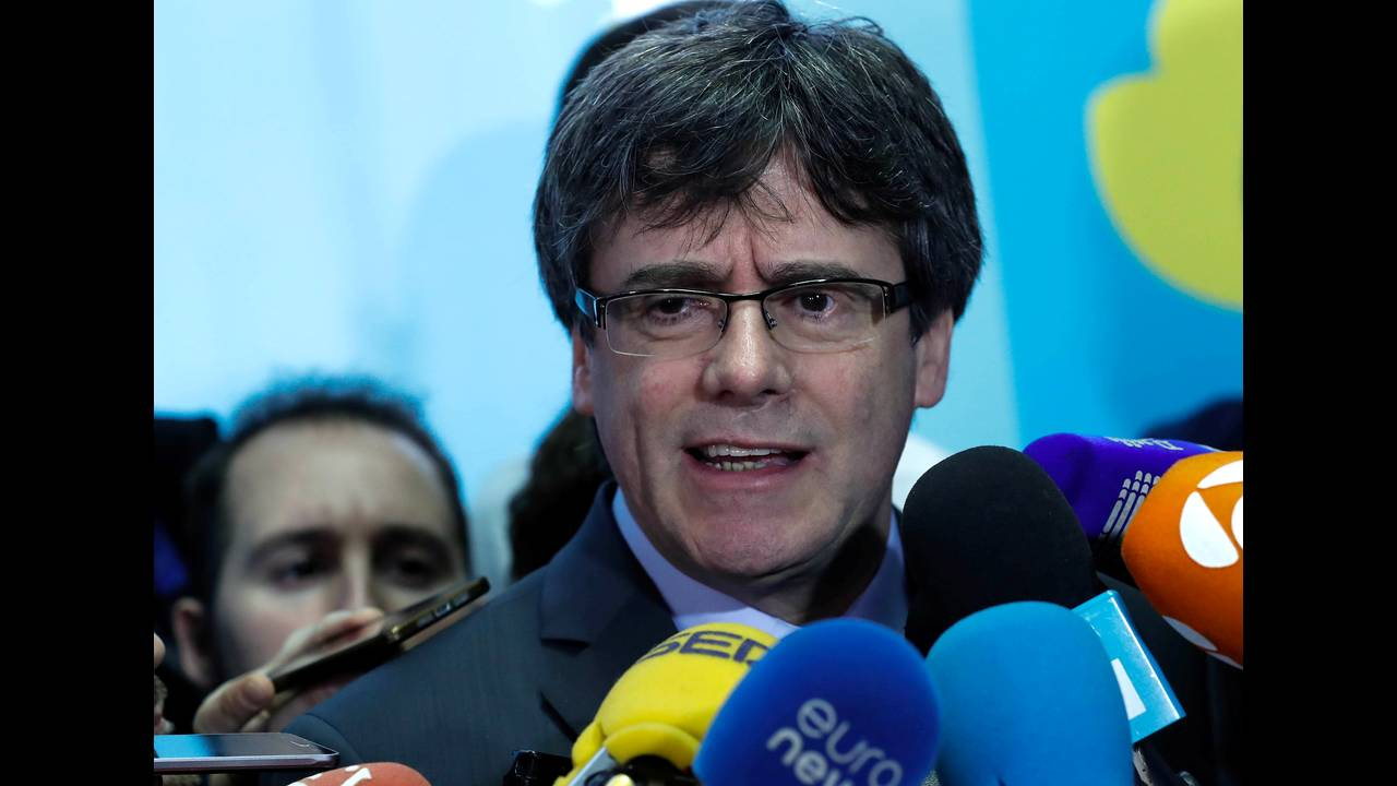 https://cdn.cnngreece.gr/media/news/2018/03/26/123205/photos/snapshot/2018-01-24T132753Z_477972286_RC17D5EEA830_RTRMADP_3_SPAIN-POLITICS-CATALONIA-PUIGDEMONT.JPG