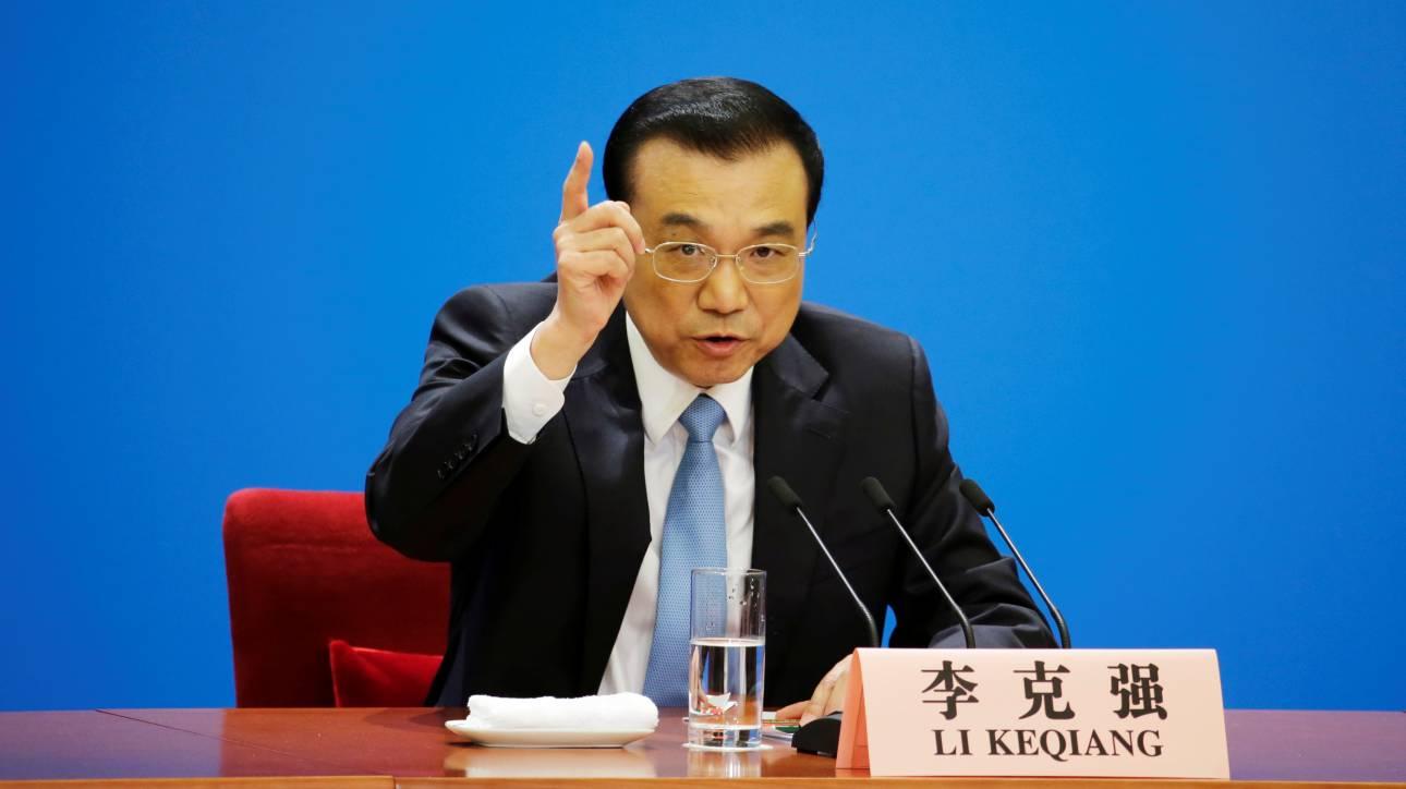 Σε άνοιγμα της αγοράς για αποτροπή εμπορικού πολέμου με τις ΗΠΑ δεσμεύεται η Κίνα