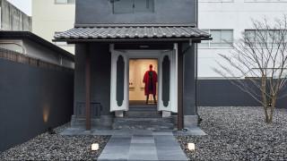 Issey Miyake: με νέο ναό μόδας χαρίζει ξανά ζωή στα ιστορικά machiya του Κιότο