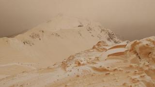 Πορτοκαλί το χιονισμένο Σότσι λόγω αφρικανικής σκόνης