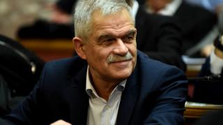 53+1 βουλευτές του ΣΥΡΙΖΑ για τις συλλήψεις και την κράτηση μεταναστών που ζουν χρόνια στην Ελλάδα