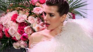 Χορός των Ρόδων: το διαμαντένιο μονόπετρο της Σαρλότ & η απουσία της Σαρλίν στο gala του Μονακό