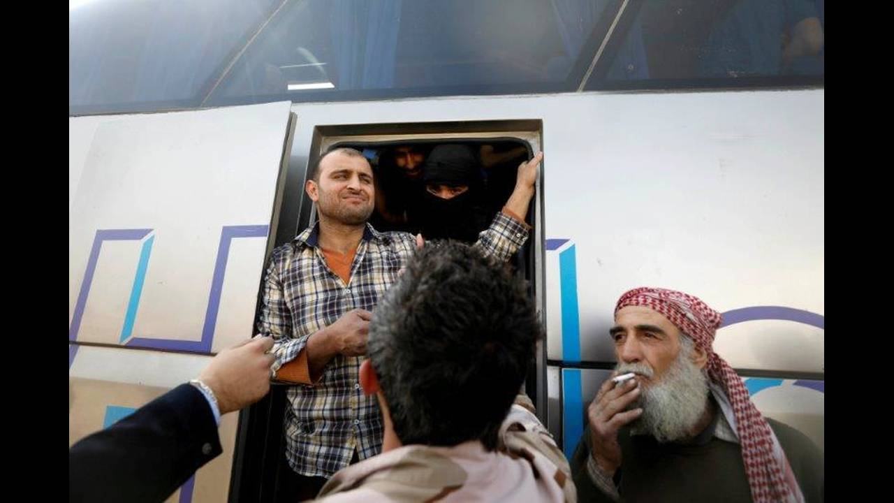 https://cdn.cnngreece.gr/media/news/2018/03/27/123308/photos/snapshot/2018-03-25T142736Z_162361785_RC1B2B5159B0_RTRMADP_3_MIDEAST-CRISIS-SYRIA-GHOUTA.jpg