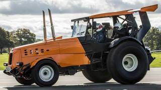 Αυτοκίνητο: Tι ταχύτητα πρέπει να αναπτύξει ένα τρακτέρ για να σημειώσει παγκόσμιο ρεκόρ Guinness;