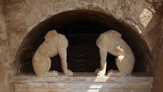 Νέα σημαντική ανακάλυψη για την Αμφίπολη: Ο Τύμβος Καστά «δείχνει» στους Δελφούς