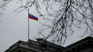 Η Μόσχα θα αντιδράσει στις απελάσεις των Ρώσων διπλωματών «την κατάλληλη στιγμή»