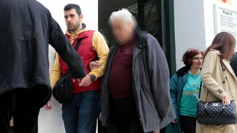 Ελεύθερος ο 88χρονος που πυροβόλησε τους ληστές στη Γλυφάδα