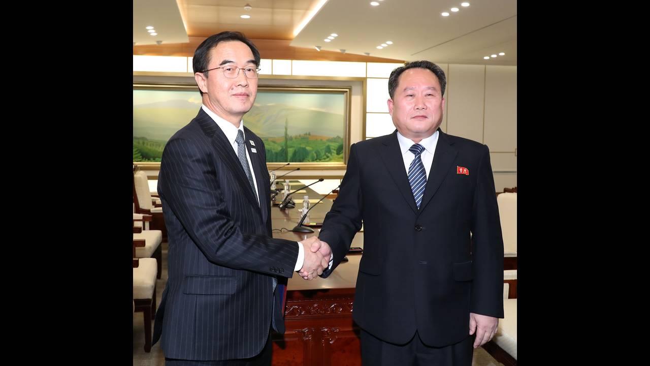 https://cdn.cnngreece.gr/media/news/2018/03/29/123611/photos/snapshot/korea2.jpg
