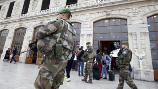 Όχημα έπεσε πάνω σε στρατιώτες στη Γαλλία
