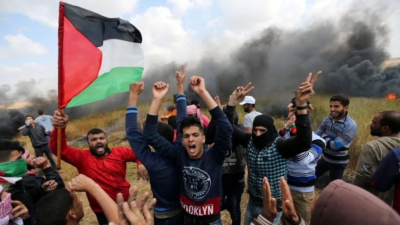 «Πεδίο μάχης» η Λωρίδα της Γάζας με πολλούς νεκρούς και εκατοντάδες τραυματίες