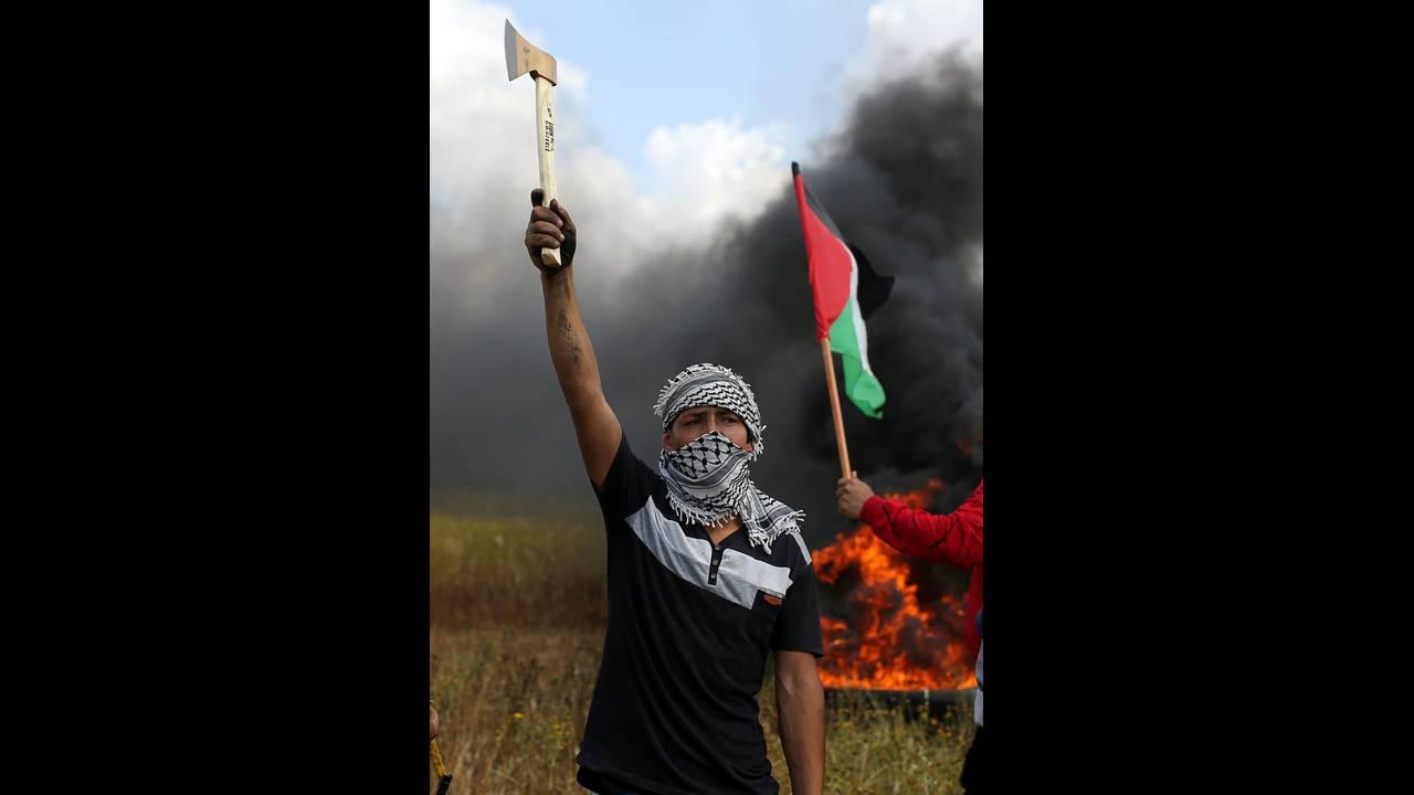 https://cdn.cnngreece.gr/media/news/2018/03/30/123888/photos/snapshot/2018-03-30T115137Z_1733446908_RC190A4BB540_RTRMADP_3_ISRAEL-PALESTINIANS-PROTESTS.JPG