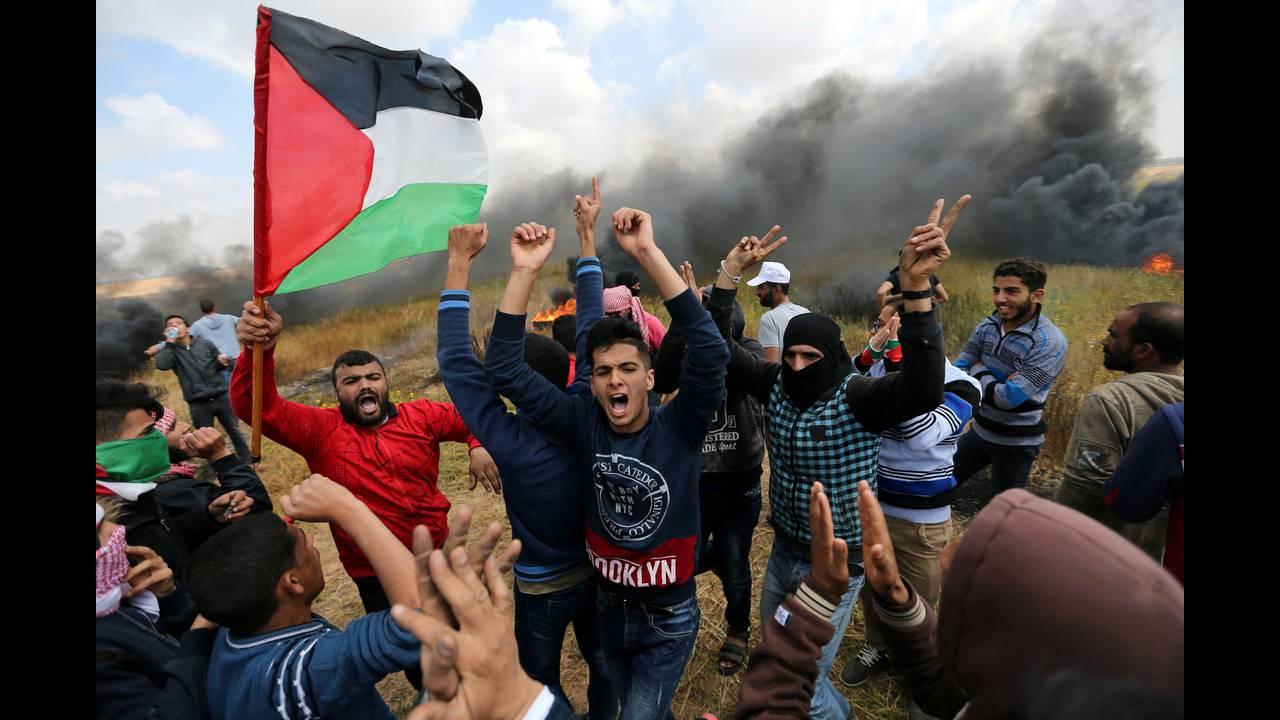 https://cdn.cnngreece.gr/media/news/2018/03/30/123888/photos/snapshot/2018-03-30T115703Z_787566929_RC1AF1973D70_RTRMADP_3_ISRAEL-PALESTINIANS-PROTESTS.JPG