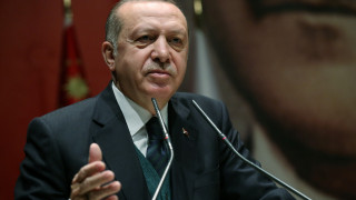 El Pais: Η μακριά σκιά του Ερντογάν στα Βαλκάνια εκτείνεται σαν λεκές από μελάνι